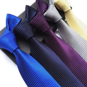 עניבה מעוצבת לגבר