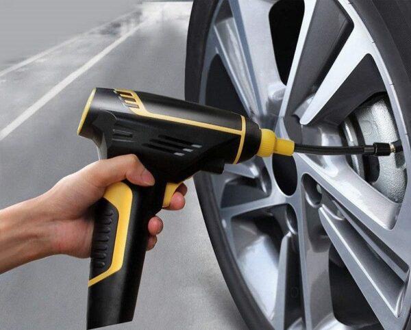 משאבת אוויר נטענת עם צג דיגיטלי ותאורת לד לניפוח גלגלים מהיר