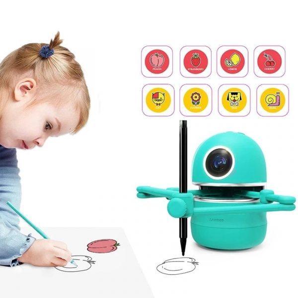 רובוט חכם נטען שמלמד איך לצייר