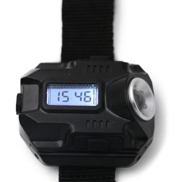 שעון יד דיגיטלי משולב פנס לד עוצמתי