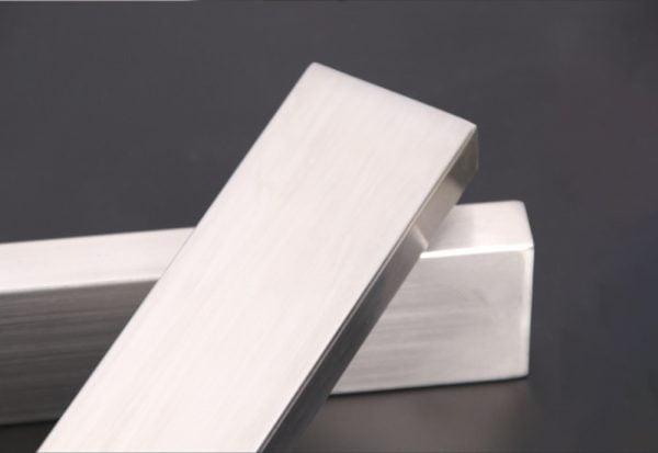 בלוק מגנטי לסכינים וכלי מתכת