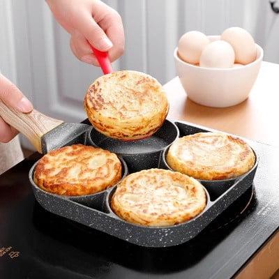 מחבת מחולקת ל-4 להכנת מאכלים שונים בו זמנית