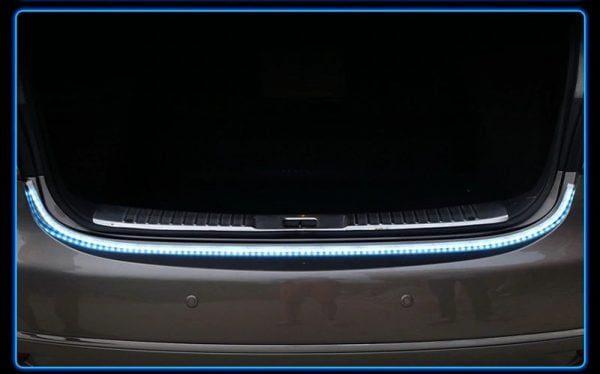תאורת חיווי אחורית לרכב