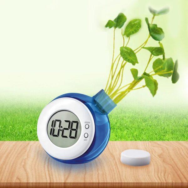 שעון אקולוגי הפועל באמצעות מים